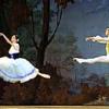 """Alina Cojocaru şi Johann Kobborg, două staruri internaţionale ale baletului, dansează """"Giselle"""" pe scena Operei Naţionale Bucureşti"""