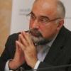 """Varujan Vosganian îşi lansează """"Cartea Şoaptelor"""" la Piteşti"""