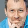 """Actorul Florin Busuioc în spectacolul """"Marfă vie"""", după A. P. Cehov"""