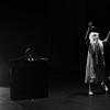 """Coregraful şi performerul Paul Duncă, la deschiderea oficială a târgului de artă """"Supermarket"""" din Stockholm"""