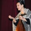 Interpreta de muzică tradiţională Doina Fodor Lavric, pe scena Teatrului Mignon