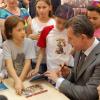 """ASR Principele Radu al României se întâlneşte cu elevi şi părinţi în cadrul proiectului """"Cărțile copilăriei"""""""