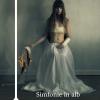 """Simfonie în alb"", de Adriana Lisboa"