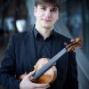 """Vlad Stănculeasa cântă pe vioara lui Enescu, """"Sanctus Serafin"""", la Sala Radio"""