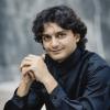 Dirijorul iranian Hossein Pishkar și violoncelistul Ștefan Cazacu,  într-un concert Elgar/Mahler la Sala Radio